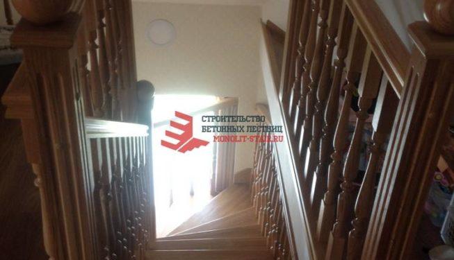 Фото бетонной лестницы с отделкой monolit-stair.ru