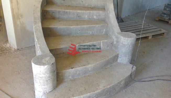 фото бетонной монолитной лестницы
