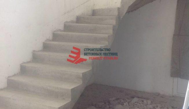 Фото монолитной лестницы